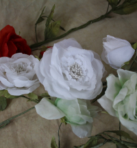 WFSF31-White-Silk-Rose-Garland