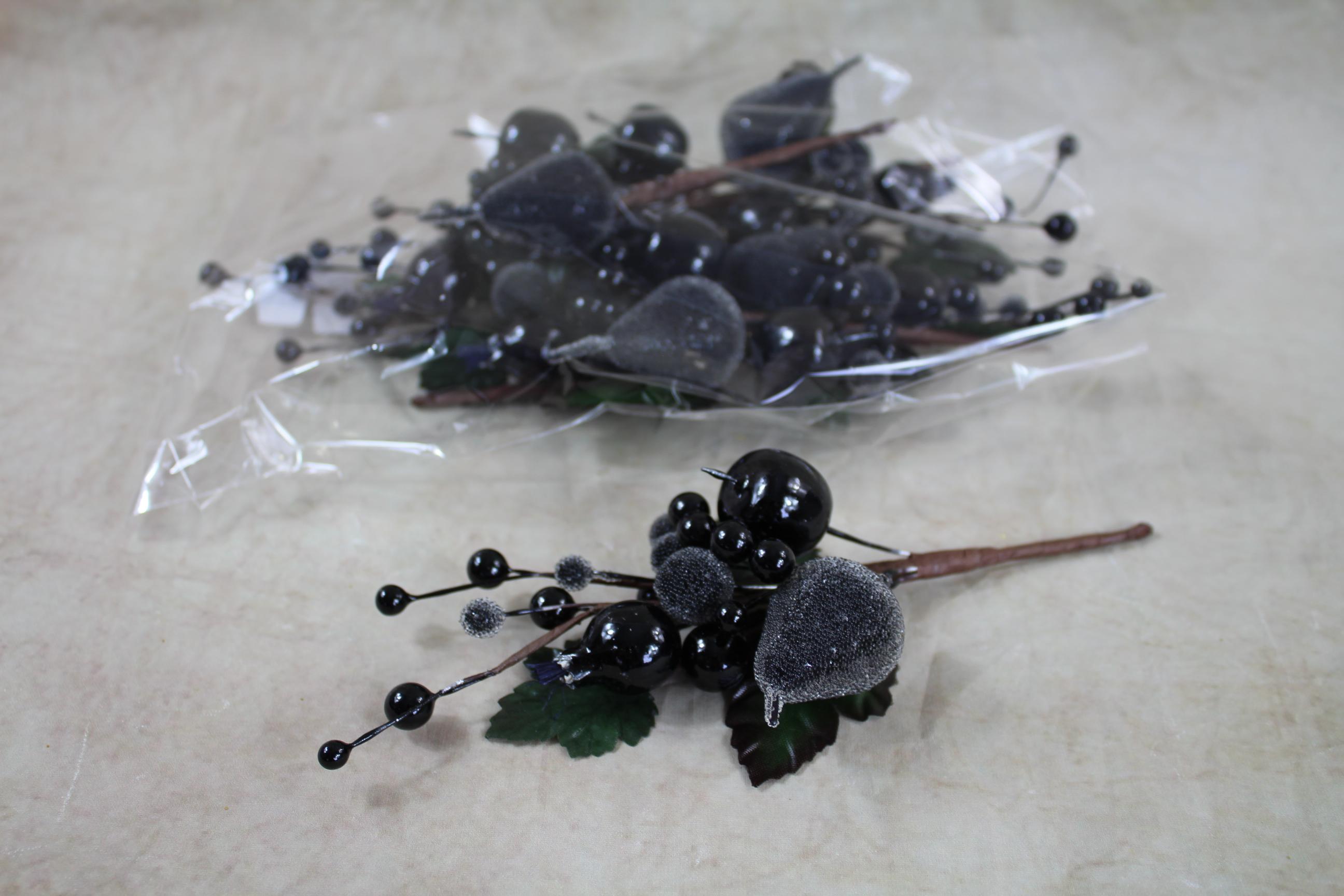 2 x 18cm fruit/berry/beaded pick