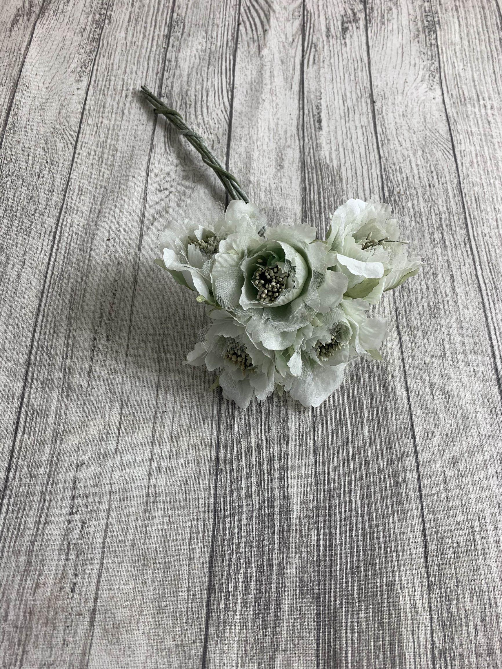 6 x 6cm Crinkle Rose Bunch