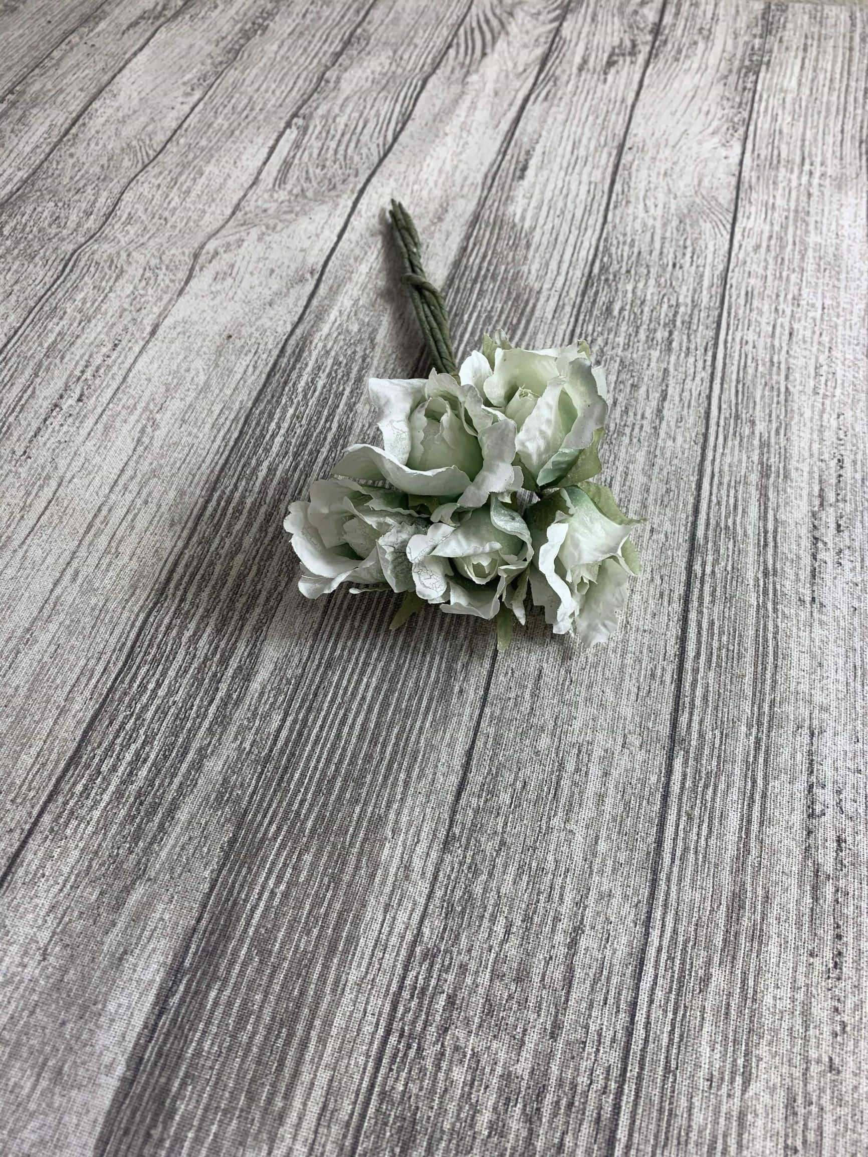 6 x 4cm Crinkle Rose Bud Bunch