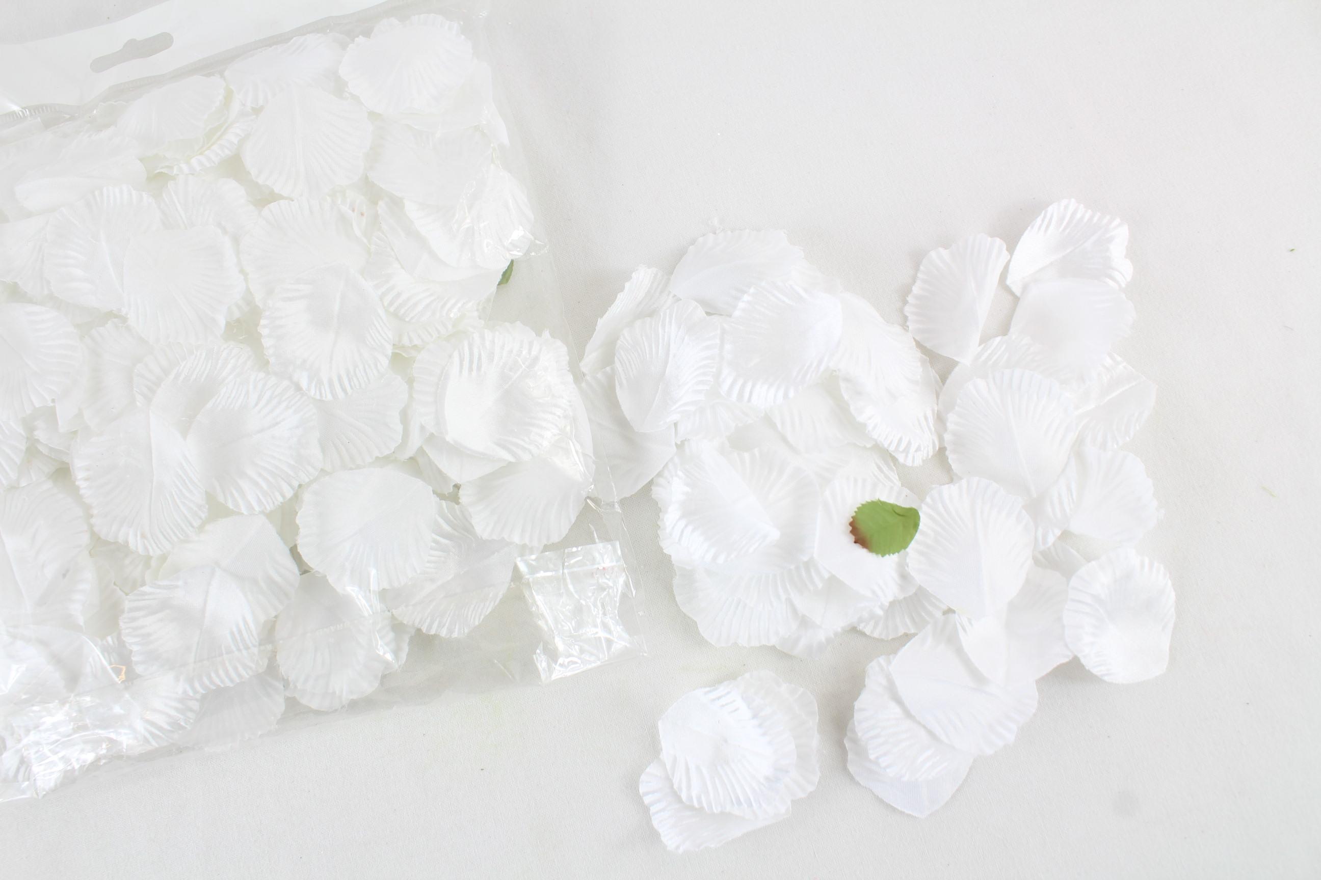 2500 Rose Petals